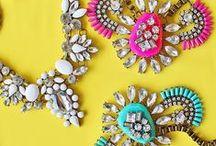 Jewelry /  jewelry box: statement necklaces, bib necklaces, crystal necklace, bubble bib necklace, statement earrings, dangle earrings, chandelier earrings, pearl necklace, styling ideas, how to wear statement necklaces, bracelets, armcandy, armswag, statement earrings, dangle earrings, bridesmaid earrings, jewelry, vivalajewels colorful jewelry