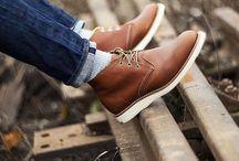 Sneakers / by Apryananda Aulia