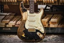 Guitars / Fender, Collings Paul Reed Smith, Maton, Martin, Gibson, Ibanez, classic and vintage.