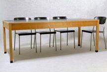 """Ferdinand Kramer - die Originale / Exclusiv bei frankfurt minimal - die Originale von Ferdinand Kramer - hergestellt für die Goethe Universität Frankfurt in den 60er Jahren.   Verfügbar sind Modelle aus dem KD-Programm (Knock down = zerlegbar) und die Reeditionen der Holztische, die Kramer in den 20er Jahren unter Ernst May für das """"Neue Frankfurt"""" entworfen hat.   Tische sind in verschiedenen Größen und Ausführungen vorrätig."""