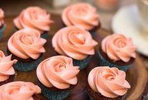 A Cup of Cake? / Nuestros cupcakes