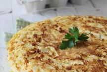 Best Spanish Tortilla / The Tortilla de patatas or Spanish omelette is a delicious dish that almost everyone in Spain know how to cook. There are thousand of different recipes so we're always looking for the best one!