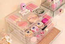 Makeup, Nail art/painting, Parfumes, etc. (Beauty stuff) / This board is ONLY for makeup & nailpainting (+supplies). Due to lack of time, I can't keep an eye on this board anymore, so if you see off-topic pins please help improve this board by sending the pins in a message to me so I can remove them. Lack of time also means I can't add people to the board as much anymore; if you truly want in, you can contact a member of this board, since I've made it available for them to add other people.