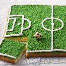Fußball - Rezepte / Nicht nur zur EM oder WM sind wir im Fußballfieber. Entdecke feine Rezepte rund um den Rasensport mit Ball.