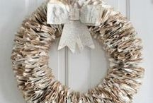 Circles I love: Wreath Ideas / My favorite DIY wreaths for front door and mantel. Wreath ideas for holiday and everyday. www.huntandhost.net