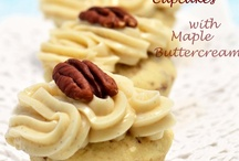 Cupcakes / A balanced diet is a cupcake in each hand!
