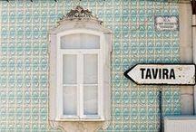   Lusa Luso ♥ Algarve   / En séjournant en Algarve, vous pourrez voyager dans le temps et recueillir de nombreux témoignages des différents peuples et cultures qui s'y sont rassemblés. Les Maures y sont restés longtemps (du VIIIe au XIIIe s.) marquant la région d'une empreinte indélébile, à commencer par son nom actuel : Al-Gharb (à l'Ouest).