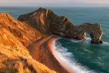 Jurrasic Coast, England / #Dorset and East #Devons coastline covers 95 miles of stunning coastline, with rocks recording 185 million years of the Earth's history. The Jurrasic Coast is a World Heritage site.