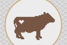 cross stitch : cows and pigs
