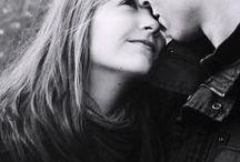 love / a szerelem egy leihatatlan élmény.