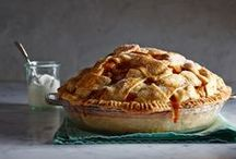 Thanksgiving Desserts / Autumn is here!  Warm up with cozy apple treats!