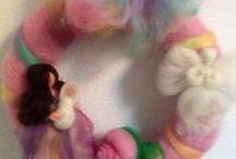 ghirlande / wreath / Corone e ghirlande in lana cardata e fiaba