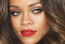 R i h a n n a / Rihanna