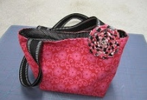 Totes ,purses and bags / by Dawn Seaman