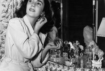 OLD HOLLYWOOD / ACTORS, ACTRESSES, COSTUMES AND FILM SETS
