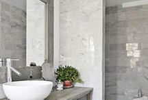 Transitional Bathrooms / Inspirational photos and articles about designing bathrooms with transitional fixtures, textures, and accessories. The latest trends are featured here.