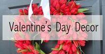 Valentine's Day Decor / Valentines Day wreaths and door ways!