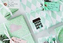 Pretty Gift Wrapping Ideas / How to Ideas for wrapping presents and gift bags. Unique Gift Wrapping Ideas for birthdays and holidays. Plus, gift tags and ribbon packaging ideas.