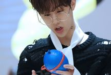 GOT7 | Mark | 마크 / Stage Name: Mark | 마크 Birth Name: Mark Yi En Tuan | 마크이엔투안 Position: Main Rapper, Vocalist, Visual Birthday: September 4, 1993 Zodiac sign: Virgo Height: 175 cm (5'9″) Nationality: American (but of Taiwanese descent)  ©Kprofiles.com