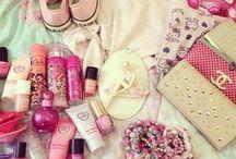 Precisamos ter na Bolsa  / Essas coisas não podem faltar em nossas bolsas , meninas ♥