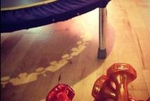 Ejercicios sobre nuestra cama elástica! / Utilizar nuestra cama elástica nos ayuda a llevar una vida saludable...10 en nuestra cama elástica = 30 minutos de carrera a pie. Montar en una cama elástica! http://www.cama-elastica.com/minimax.php