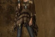 Ponchos for Fall and Winter / Cozy ponchos as fall and winter sweater or jacket ideas. Cozy and colorful patterns.