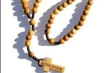 Rosari della Terra Santa / Ecco le foto degli artigiani cristiani di Terra Santa che realizzano le coroncine del Rosario!