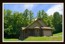 Cove Springs Hideaway / Vacation Rental Cabin in Pigeon Forge *2BR \2BA *$125 ANY Night of the Year *Jacuzzi Tub \ Fireplace \ Creek View \ Propane Grill