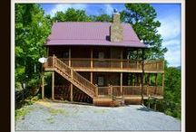 Heintooga / Vacation Rental Cabin In Pigeon Forge *2BR /2BA *$145-$225 *Wifi *Hot Tub *Mountain Views *Fireplace
