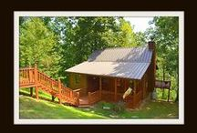 Shady Oaks / Vacation Cabin Rental in Pigeon Forge *2BR /2BA *$99 ANY Night of the Year *Wifi *Gated Community *Pool Table *Mountain Views *Fireplace *Hot tub