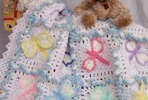 Knitting & Crochet / by Rocio Aguirre