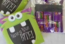Halloween Printables / Halloween printables for every thing you can think of - wall art, spooky decor, treat bags and more!
