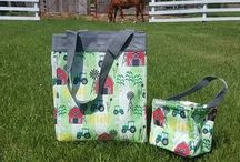 Personalized gifts for Horse lovers / If you love horses you are sure to love thirty-one bags around the stable. Personalize you bags, totes, and thermals with our farm themed personalization options. Visit my blog to shop & save on bags for horse lovers! #canadianbaglady