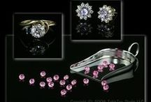 Photograph Jewellery / Product Photography Kits and Accessories to enable you to photograph your jewellery, necklaces, bracelets, earrings, rings and watches for your website