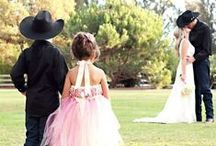 Theme: Cowboy/Western Weddings / Western weddings and cowboy #weddings are particularly popular right now because there are so many ways cute ways to twist the details. Here is some inspiration! #westernwedding