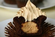 Cupcakes / My passion & zen place. The cupcake!! Infinite possibilities!  / by Lisa MP