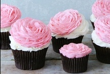 Cupcakes / by Sophie Walton-Smith