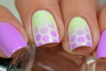 Snail Vinyls Manicures / A Collection of the coolest manicures by some of the most amazing Nail Artists using Snail Vinyls
