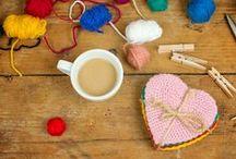 Nihale ve Bardak Altlıkları ❤ Pot Coaster and Coaster / Nihale ve bardak altlıklarının yapımına dair fikirlere ulaşabilir, malzemeler için Hobium.com'u ziyaret edebilirsiniz. ❤ For various pot coaster and coaster making materials please visit Hobium.com