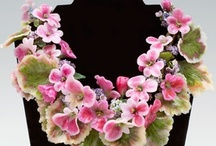 Non-beaded floral jewelry