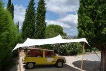 Gazebo et Abris Organic / Organic vend des abris anti-UV pour voiture et des gazebo complètement étanche pour donner une ambiance lounge à votre jardin