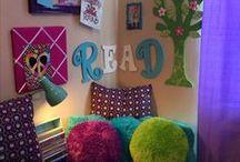 Déco coins lecture enfants | Reading corners kids / Vous êtes à la recherche d'idées déco simples et originales pour le coin lecture de bouts de chou? Vous souhaitez leur offrir un espace à eux spécial pour leurs heures de lecture? Alors vous êtes au bon endroit !