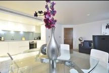 London Eye House  / Stately exterior and riverside location