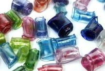 Beads / Nile Corp. offers a wide selection of beads, perfect for your jewelry creations!