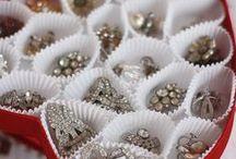 Jewelry Display Ideas / Inspiration for Jewelry Displays www.nilecorp.com
