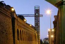Rutas por la Ciudad / Cartagena lleva en su nombre el poso de la historia del Mediterráneo. Cuando recorremos sus calles participamos de la experiencia de una ciudad con alma en la que el paso de la historia ha ido jalonando su paisaje urbano.