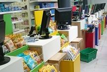 Comptoirs - bornes d'accueil / Des comptoirs design et innovants par JCDA. JCD Agencement : mobiliers standards et sur mesure, signalétique, merchandising