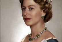 R:  QUEEN ELIZABETH - YOUNG WOMAN / by Snow White