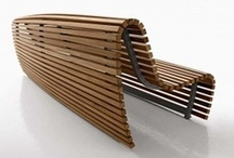 Creative Curves on Timber Bench / A great designed timber bench, in teak lathes with an aluminum frame, contradicts the rigid shape of traditional outdoor benches.
