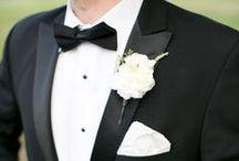 Klassisch-Elegante Hochzeit / Elegante Farben wie Weiß mit Silber oder Gold gemischt mit einer eleganten Location, einem Château, einer Burg, einer alten Kirche, Champagner und zeitlosen Eindrücken